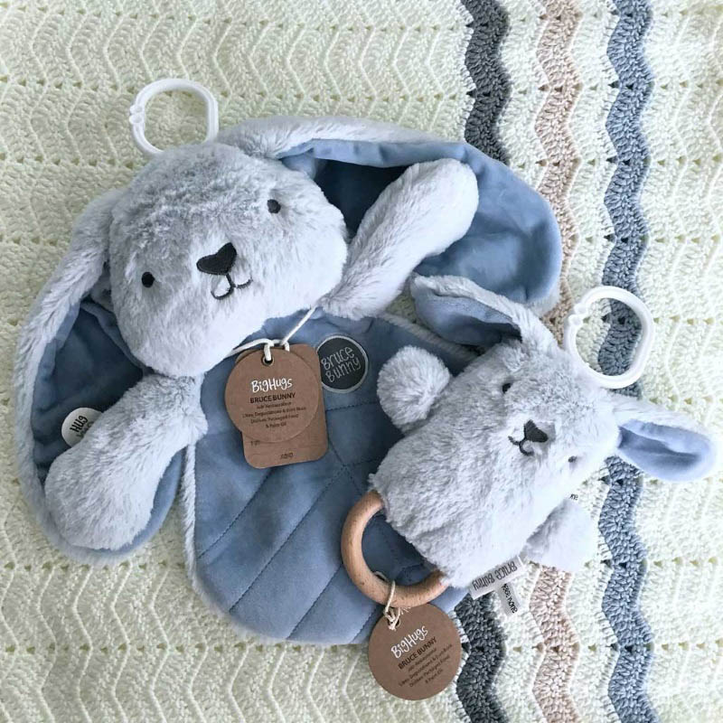O.B Designs Comforter and Dingaring - Bruce Bunny (Blue)