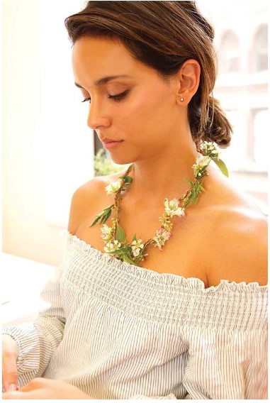 Great Outdoors Fresh Flower Necklace