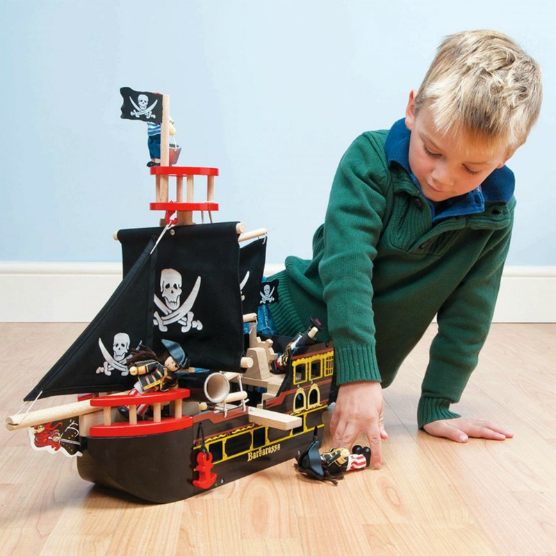Le Toy Van Budkins Pirate Set (ship sold separately)