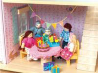 Le Toy Van  - Daisylane  - Party Time Set (dolls/furniture not included)