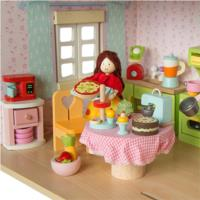 Featured in a Le Toy Van Dollhouse with other Budkins accessories (sold seperatly)