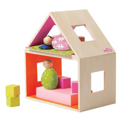MiO Sleeping and 2 people Doll House