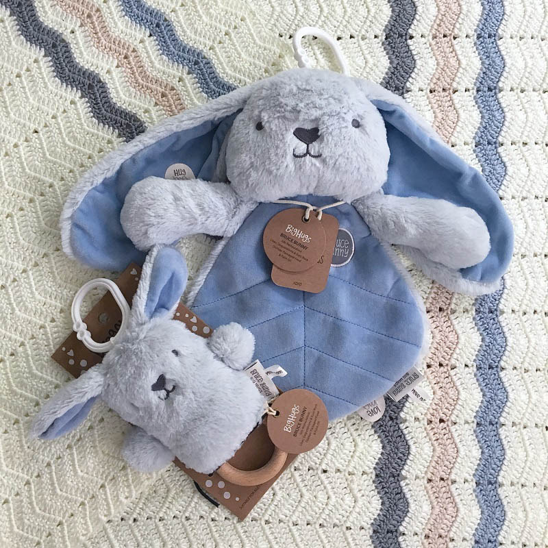 O.B Designs Dingaring and Comforter - Bruce Bunny (Blue)