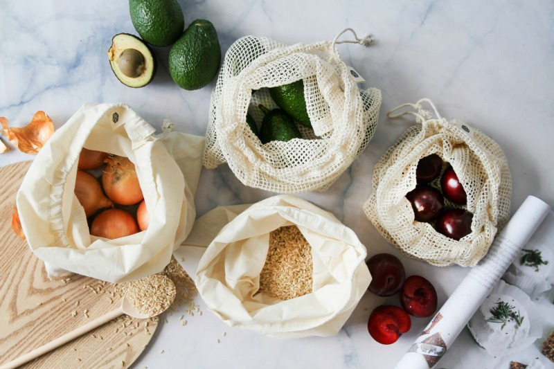 Organic Cotton Net Produce Bags set of 4 - please note this picture features 2 x net bags and 2 x muslin bags